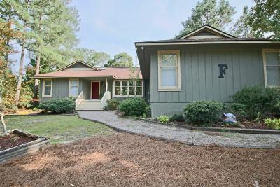 Southern Pines, Aberdeen, Whispering Pines, Foxfire, Pinehurst Single Family Home For Sale: 680 Burning Tree Road