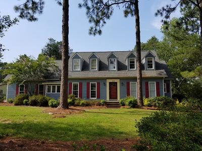 Southern Pines Single Family Home For Sale: 512 Edinboro Drive