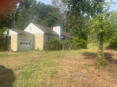 Single Family Home Active/Contingent: 618 Mill Road Road