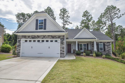 Southern Pines Single Family Home For Sale: 415 N Bracken Fern Lane