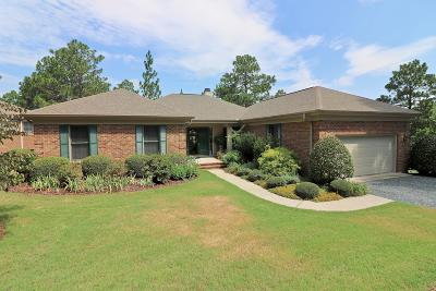 Southern Pines Single Family Home For Sale: 34 Highland View Drive