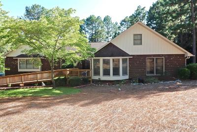 Single Family Home For Sale: 114 Somerset Lane
