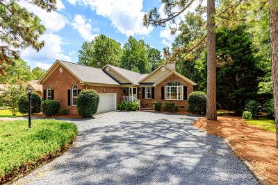 Single Family Home For Sale: 109 Edgewater Drive