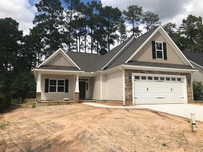 Southern Pines Single Family Home For Sale: 195 N Bracken Fern Lane