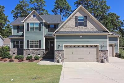Southern Pines Single Family Home For Sale: 211 Broom Sedge Lane