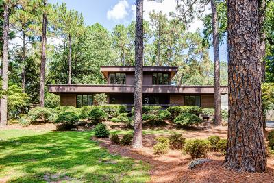 Southern Pines NC Single Family Home Active/Contingent: $275,000