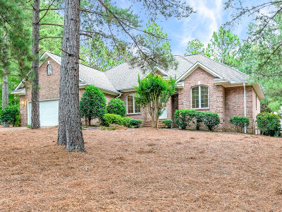 Southern Pines Single Family Home For Sale: 4 Scott Lane