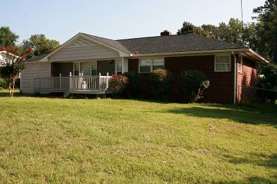 Rutherfordton Single Family Home Contingent Upon Financing: 124 Crestview Street