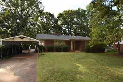Forest City Single Family Home Cont W/Due Diligence: 125 Owens Street