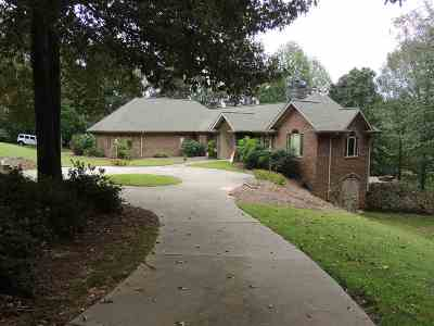 Single Family Home For Sale: 2932 Laura Rd.