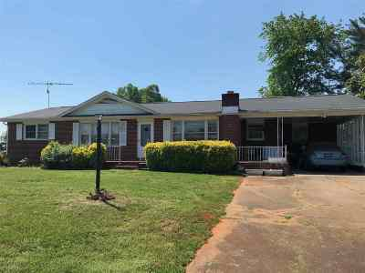 Rutherford County Single Family Home Cont W/Due Diligence: 414 Piney Ridge Road