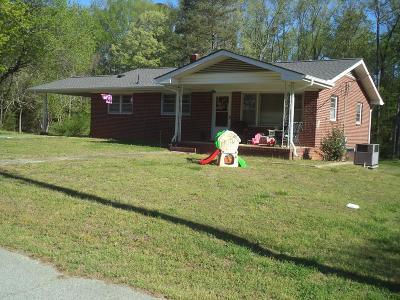 La Crosse Single Family Home Under Contract/Pending: 221 Harrison Street