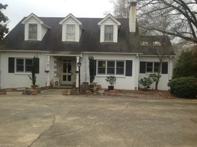 Winston Salem Single Family Home For Sale: 3708 Yadkinville Road