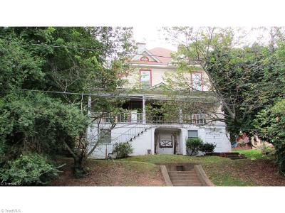 Single Family Home For Sale: 142 West End Boulevard