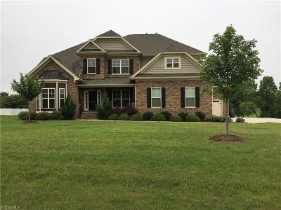 Oak Ridge Single Family Home For Sale: 8503 Julina Drive