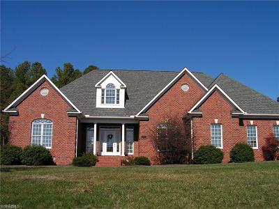 Rockingham County Single Family Home For Sale: 1989 River Chase Drive