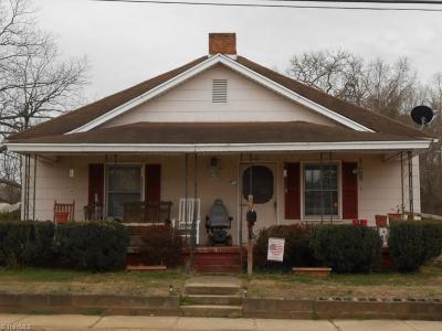 Gibsonville Single Family Home For Sale: 515 Whitsett Avenue