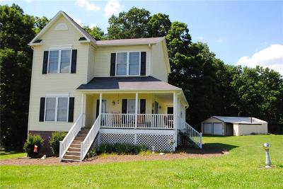 East Bend Single Family Home For Sale: 1016 Quail Hollow Lane