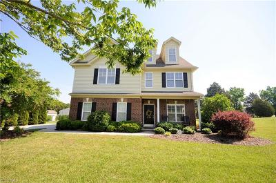 Browns Summit Single Family Home For Sale: 8100 Broad Ridge Court
