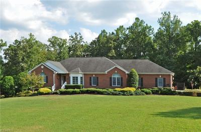 Winston Salem Single Family Home For Sale: 547 Luzenia Lane
