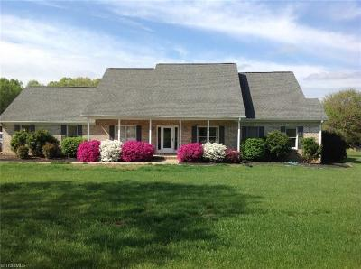 Advance Single Family Home For Sale: 1541 Peoples Creek Road