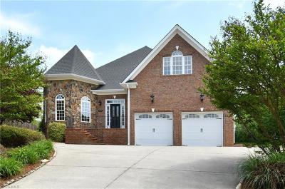Pfafftown Single Family Home For Sale: 3645 Dunhurst Drive