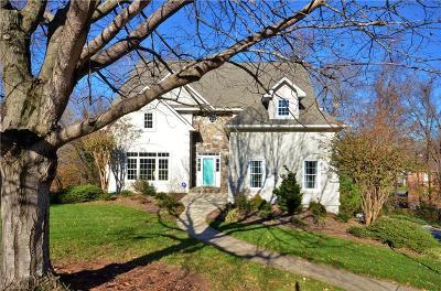 Winston Salem Single Family Home For Sale: 3621 Cherrylaurel Court