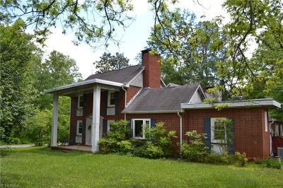 Oak Ridge Single Family Home For Sale: 5221 Williard Road