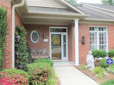 High Point Condo/Townhouse For Sale: 382 Northbridge Drive
