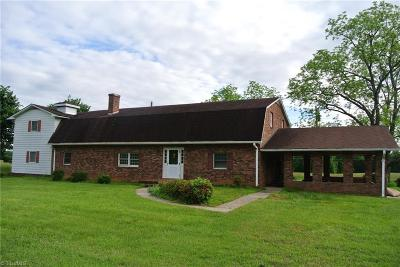 East Bend Single Family Home For Sale: 1511 Flint Hill Road