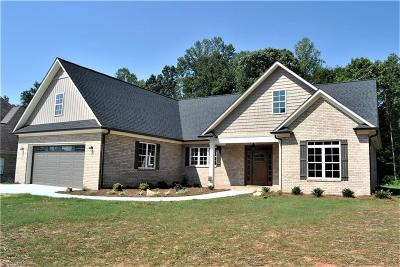 Mocksville Single Family Home For Sale: 158 Madera Drive