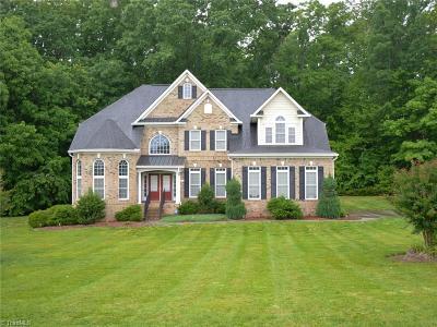 Oak Ridge Single Family Home For Sale: 8523 Julina Drive