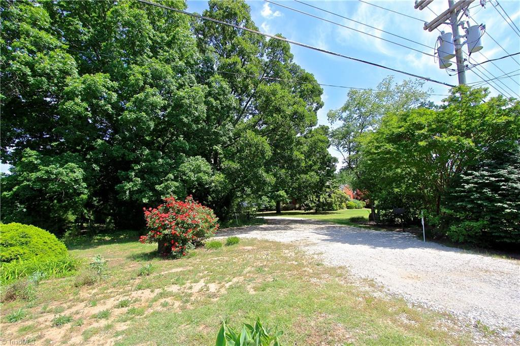 Listing: 1138 Pleasant Ridge Road, Greensboro, NC.| MLS# 835641 ...