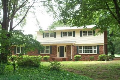 Bermuda Run Single Family Home For Sale: 156 Riverbend Drive