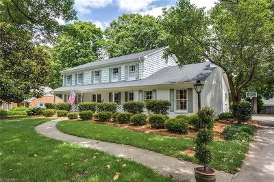 Irving Park Single Family Home For Sale: 2910 Round Hill Road