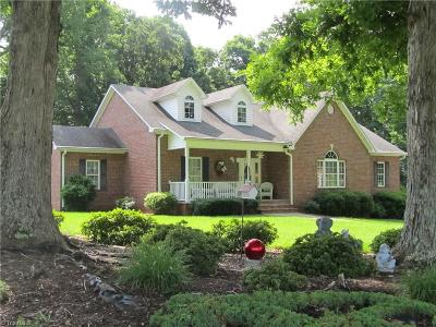 Lexington Single Family Home For Sale: 311 Greenfield Drive