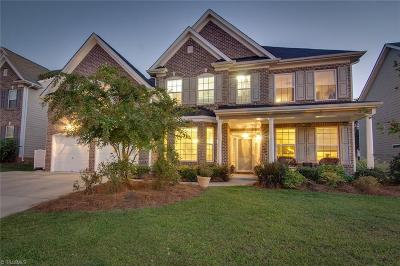 High Point Single Family Home For Sale: 3032 Sycamore Point Trail