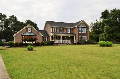 Kernersville Single Family Home For Sale: 383 Princeton Square Court