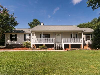 Browns Summit Single Family Home For Sale: 8125 Brooks Lake Road
