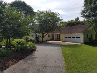 Single Family Home For Sale: 4839 River Haven Road