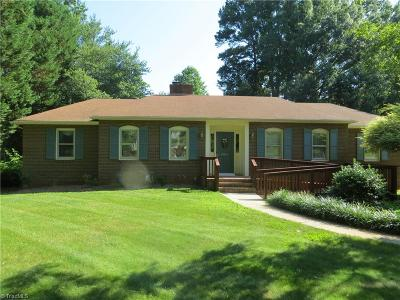 Clemmons West Single Family Home For Sale: 6936 Bridgewood Road