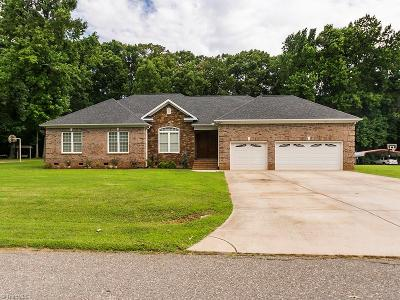 Alamance County Single Family Home For Sale: 1310 Plateau Place