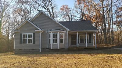 Advance Single Family Home For Sale: 143 Deer Hollow Lane