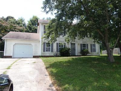 Guilford County Single Family Home For Sale: 5 Abbots Glen Court