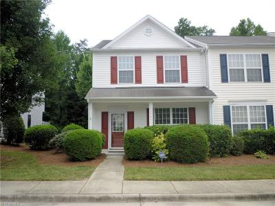 Guilford County Condo/Townhouse For Sale: 3982 Elizabeth Glen Way