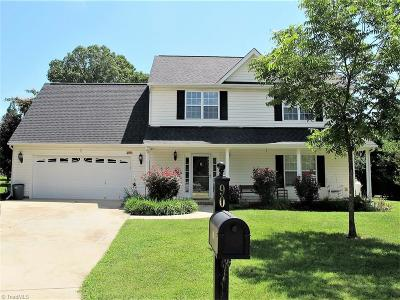 Gibsonville Single Family Home For Sale: 90 Falcon Court