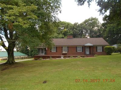 Rockingham County Single Family Home For Sale: 313 Monticello Street
