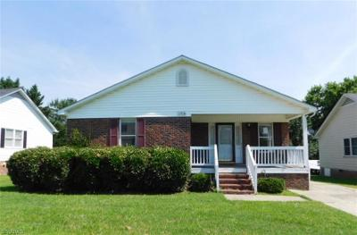 Guilford County Single Family Home For Sale: 1708 Bristol Road