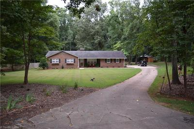 Mocksville Single Family Home For Sale: 207 Springhill Drive