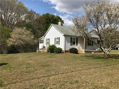 Pfafftown Single Family Home For Sale: 5260 Vienna Dozier Road